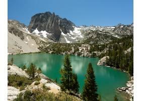 美国加利福尼亚州因约国家森林中的大松湖_965506301