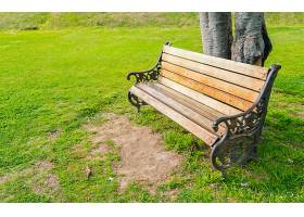 公园里的木凳_125418601