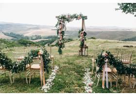 意大利婚礼装饰绿色桉树橙子和粉色的f_398494801图片