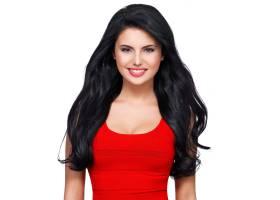 一位身穿红色连衣裙留着棕色长发面带微_1155548701