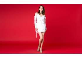 性感时尚女人夏日时尚潮流白色连衣裙在红色_998681001