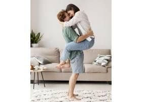 全程拥抱的情侣_1014098901