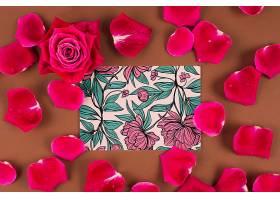 印有红玫瑰的卡片样机_25806110102