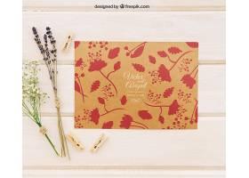 带有鲜花和晾衣夹的婚礼请柬模板_12141560102