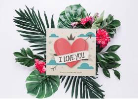 带有花卉情人节概念的卡片样机_37444050102