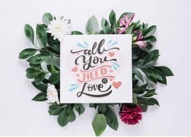 带有花卉情人节概念的卡片样机_37444070102