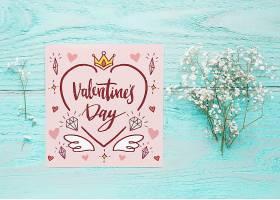 带有花卉情人节概念的卡片样机_37444200102