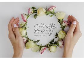 布置玫瑰花的婚礼花店_70733880102