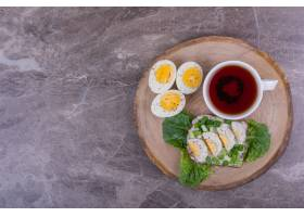 香草鸡蛋三明治和一杯茶_1277795901