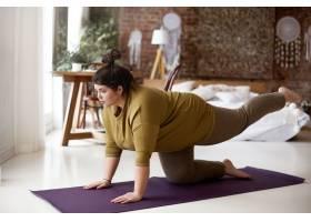 运动活动健身和减肥的概念室内画面中_11203194