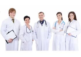 五位笑着成功的医生站在一起_10626366