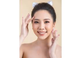 化了妆的漂亮女人脸_5521438