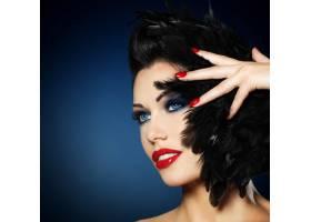 红指甲创意发型化妆的时尚美女_11228712