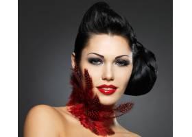 拥有美丽发型和时尚妆容的时尚女性_10730125