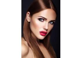 晚妆发型浪漫的美女模特肖像红唇_6766649