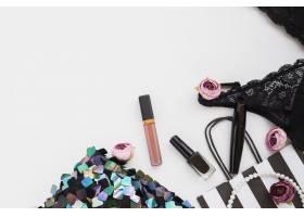 具有化妆和内衣的平铺组合物_5571519