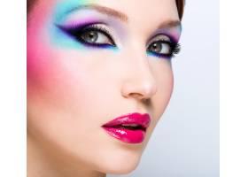美麗女子時尚亮麗的眼妝性感的紅唇_10881370