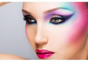 美麗女子時尚亮麗的眼妝性感的紅唇_12265294