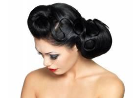 时尚女性留着漂亮的发型涂着红色的口红_12264900