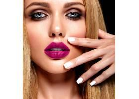 美麗的金發美女模特的性感魅力寫真清新的_7252815