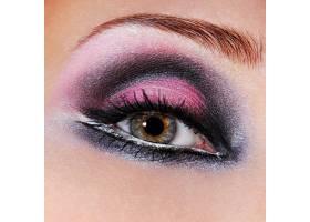 黑紫罗兰色的眼妆绿色的眼睛微距拍摄一_10881052