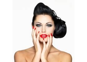 红唇指甲发型别出心裁的时尚美女_11961633