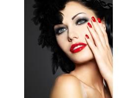 红指甲创意发型化妆模特造型的时尚美女_12264905