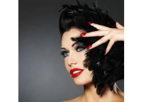 红指甲创意发型化妆的时尚美女_10730115