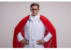 超级英雄医生男穿着白色外套红色披风_12203146