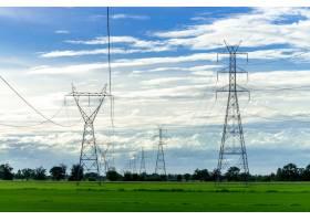 高压电线杆蓝天高压电线杆_538899801