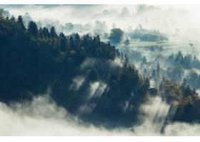 航拍斯洛文尼亚布拉德市一片被雾覆盖的美丽_918458601