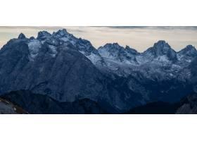 意大利阿尔卑斯山白雪皑皑的夜晚令人叹为观_918449101