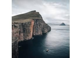 拍摄捕捉到法罗群岛的美丽自然一艘船漂浮_1167826401