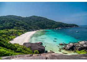 泰国安达曼海西米兰群岛风景区的热带海滩_847298201