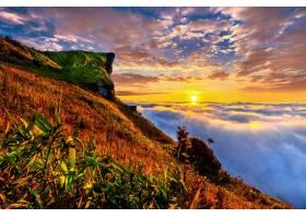 泰国清莱省的富智发和日出时的薄雾_1324999401