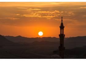 日落前景是穆斯林清真寺_120838001
