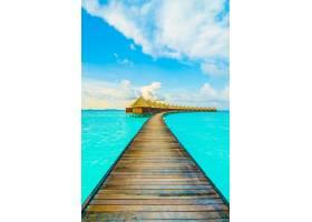 天空美丽的度假海滨别墅_104458501