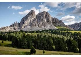 令人叹为观止的风景拍摄了一座美丽的白山_850725201