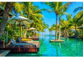 住宅景观游泳池休闲花园_104402801