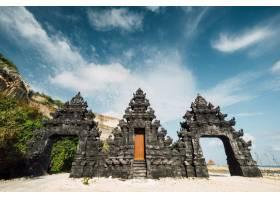 印度尼西亚海滩巴厘寺大门入口处_469545201