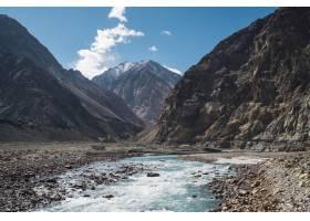 印度拉达克的山川蓝天_469391201