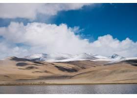 印度拉达克的盘贡湖和盘公山_469391501