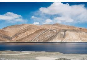 印度拉达克的盘贡湖和盘公山_469554401