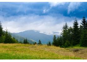 乌克兰喀尔巴底山脉的美丽风景_808565301