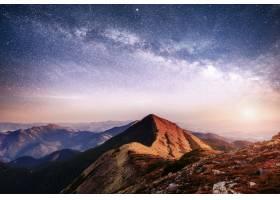 乌克兰山区奇妙的风景充满活力的夜空有_914369301