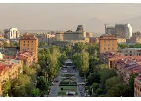亚美尼亚埃里温歌剧院和瀑布的美丽景色_1306185901
