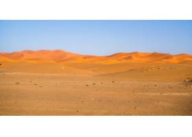 非洲摩洛哥阳光下的撒哈拉沙漠和蓝天_10111626