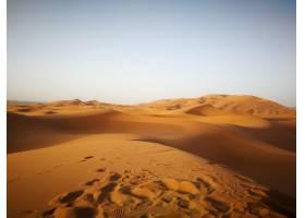 非洲摩洛哥阳光下的撒哈拉沙漠和蓝天_10176356