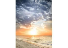 美丽的夏日海景_1612267