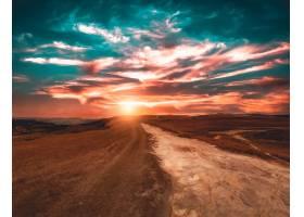美丽的日落中的达博亚山景_9991321